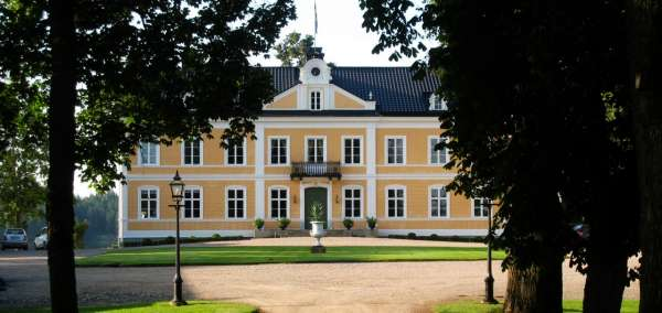 Rent a manor house in Småland