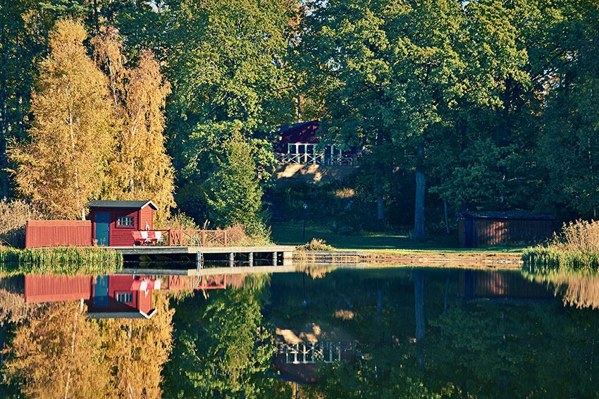 Rent in stockholm sweden beautiful lakeside homes to for Lakeside home